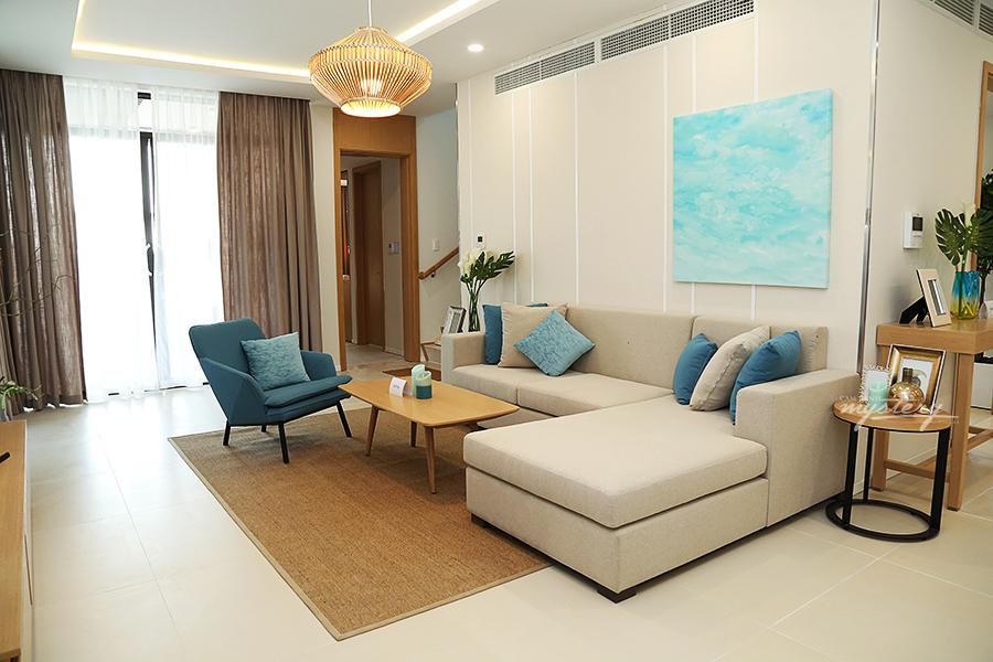 Phòng khách Cam Ranh Mystery Villas  mẫu với thiết kế tối giản nhưng tinh tế