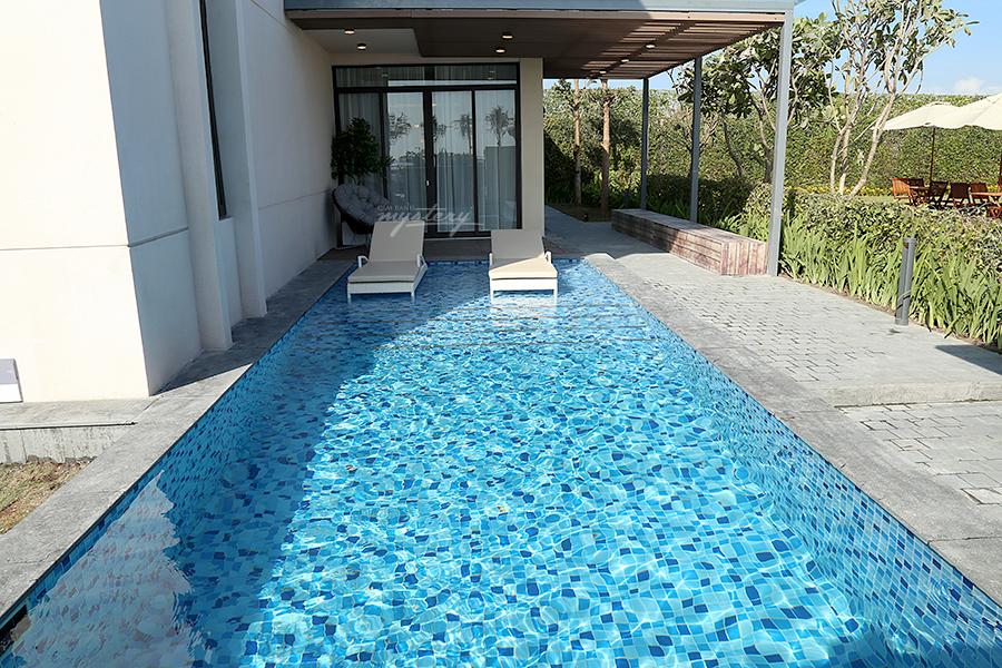 Mỗi căn biệt thự Cam Ranh Mystery Villas  đều sở hữu hồ bơi riêng biệt